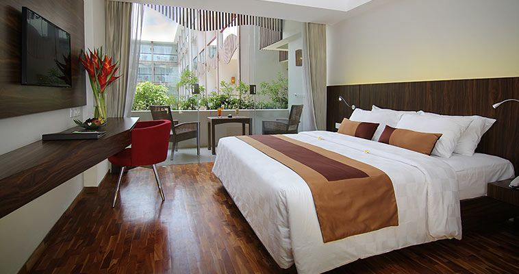 Spacious room setting overlooking to your all time enjoyment